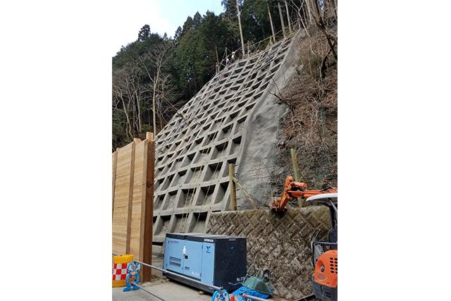 ライトドリフター吊り下げ鉄筋挿入工施工工事